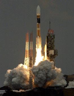 H-IIAロケット8号機を打ち上げ: ...