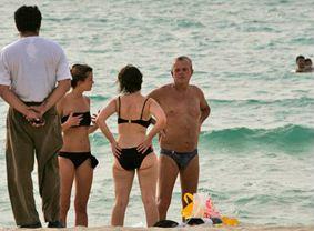 080716  dubai beach.jpg