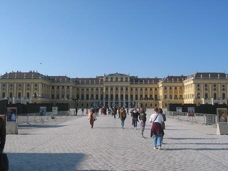 190329 schonbunn palace 1.JPG
