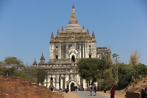 200201 thatbyinnyu temple.JPG
